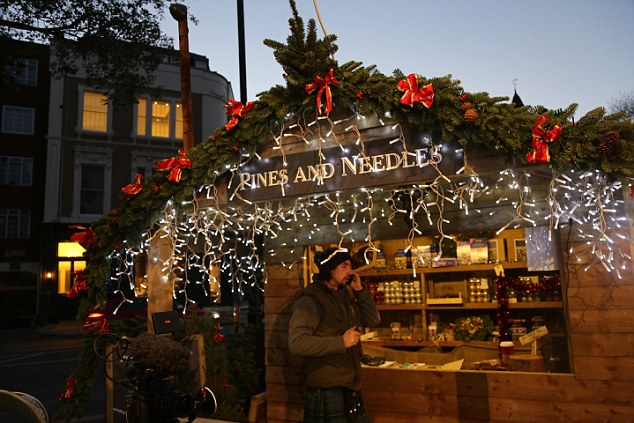 Prince Harry & Meghan Markle Go Christmas Shopping 1