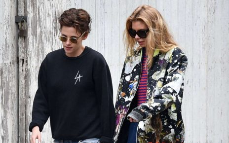 Kristen Stewart and Stella Maxwell out shopping in Savannah - spur magazine