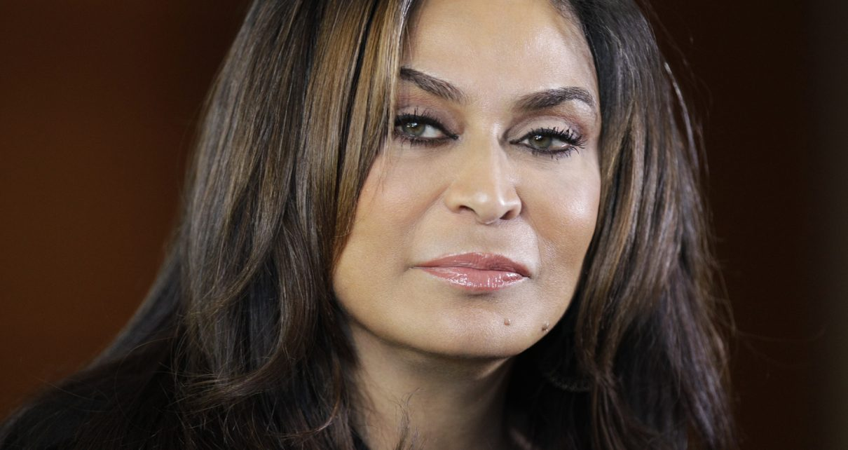 Tina Knowles Fights with Jennifer Hudson 1