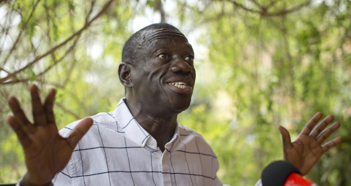 Besigye Throws Party for 200 Children In Kasangati - Spur Magazine