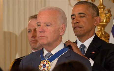 Obama gives Biden Medal of Freedom - Spur Magazine