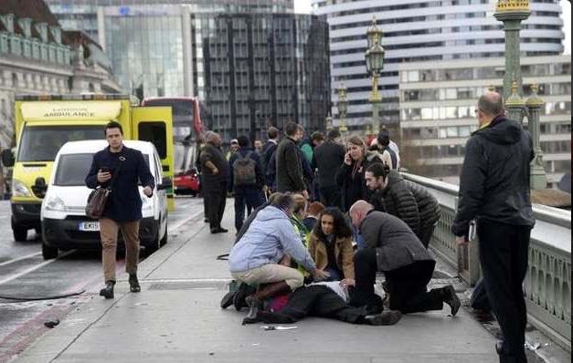 Injured people on Westminster Bridge - Spur Magazine