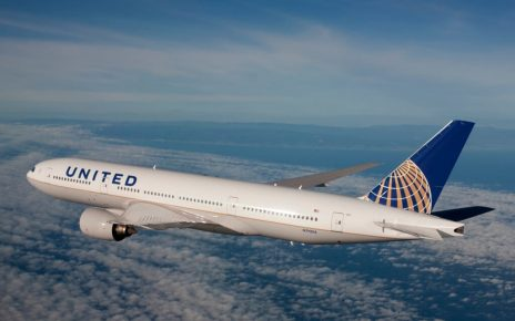 United Airlines Blocks Girls With Leggings From Flight 4