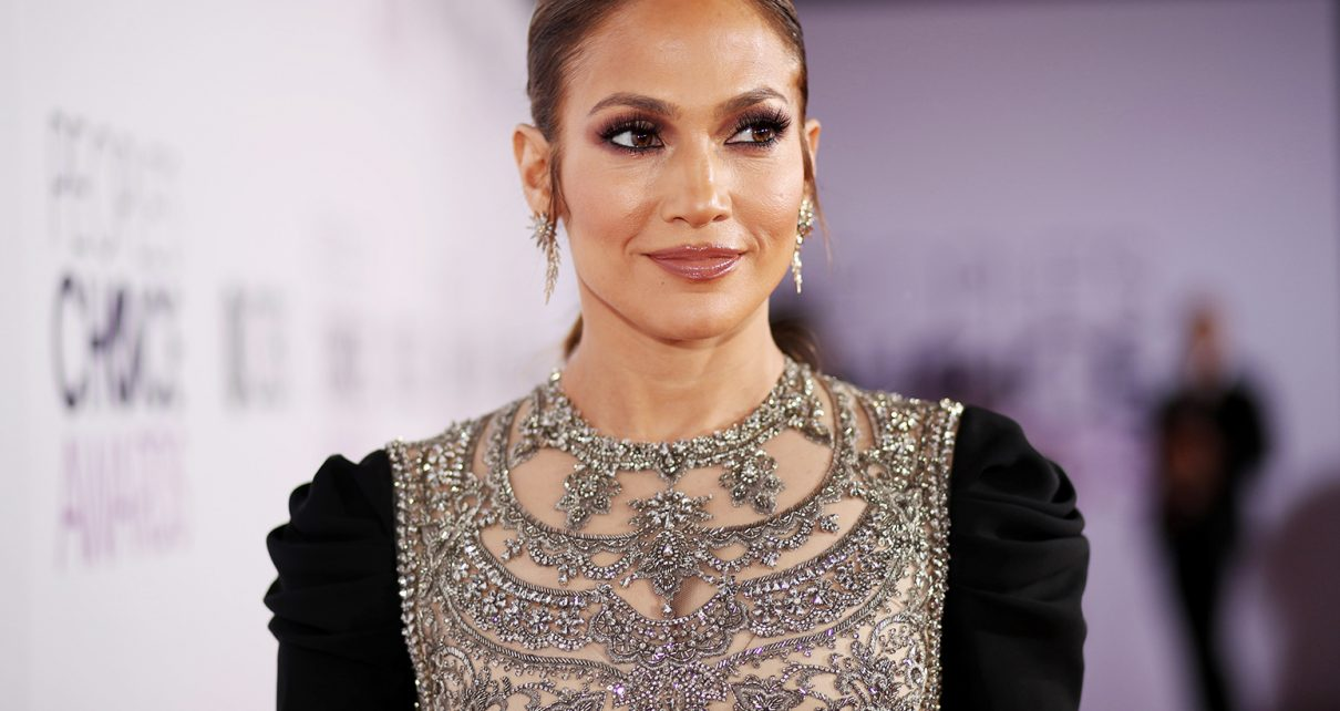 Jennifer Lopez Sells Mansion for $9.9Million - Spur Magazine