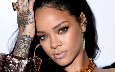 Rihanna Finds Love in Saudi Arabia 2