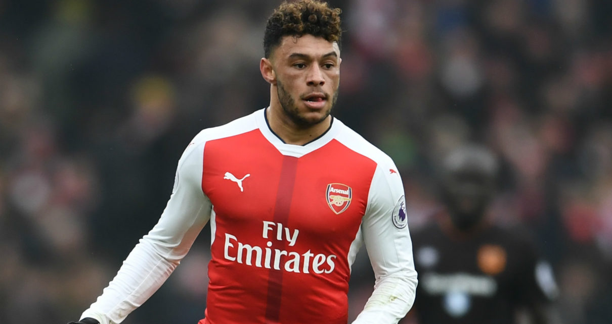 Chelsea Make £35m Bid for Arsenal's Chamberlain - Spur Magazine