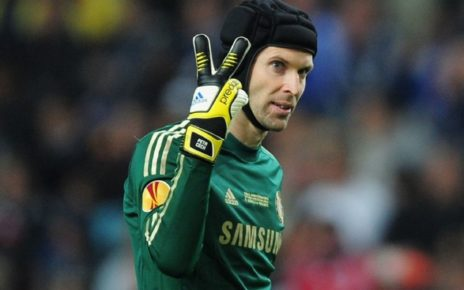 Petr Cech Makes Premier League History - Spur Magazine