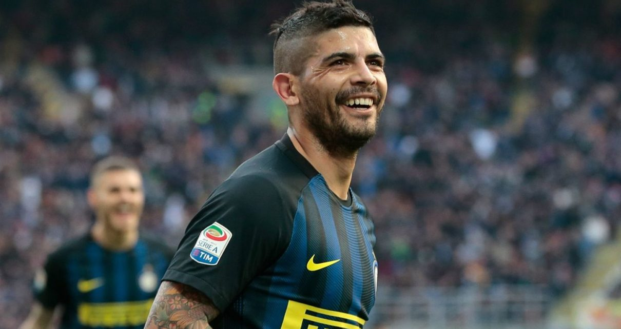 Ever Banega Transfer to Arsenal May Not Happen | Spurzine