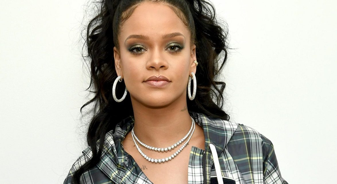 Rihanna Rents Island In Essex To Record New Album | Spurzine