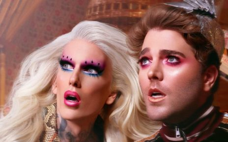 YouTube's biggest stars Jeffree Star and Shane Dawson fans are in uproar after the website for buying the items crashed just minutes after the products went on sale Friday afternoon.