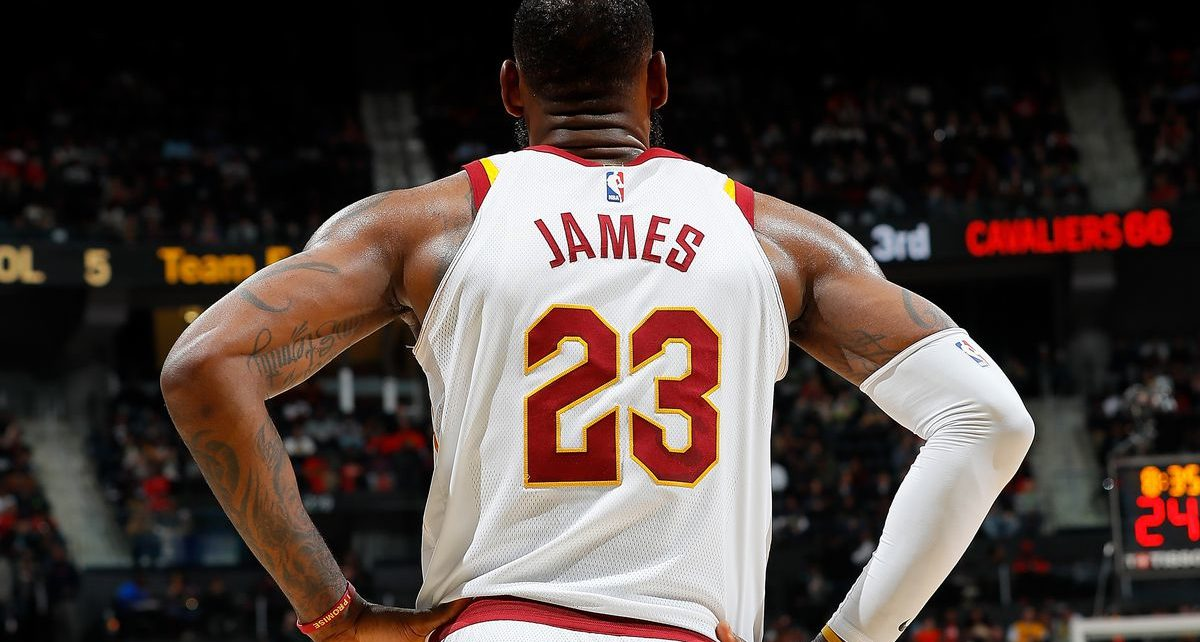 LeBron James scored 33 points with a total of 12 assists giving the Los Angeles Lakers team a leading victory over the visitors, Atlanta Hawks.