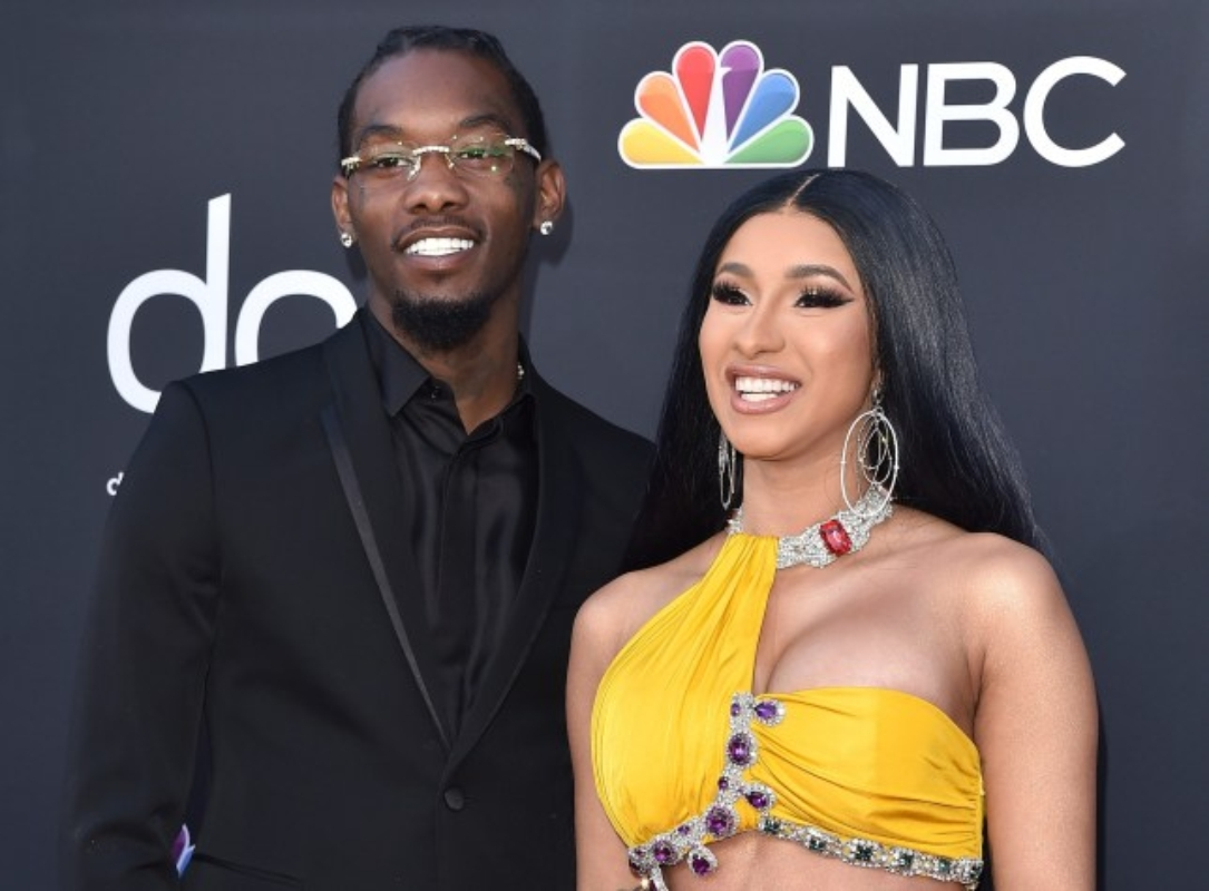 Offset Gets His Cardi B S Daughter S Name Tattooed On: Cardi B Gives Offset $500,000