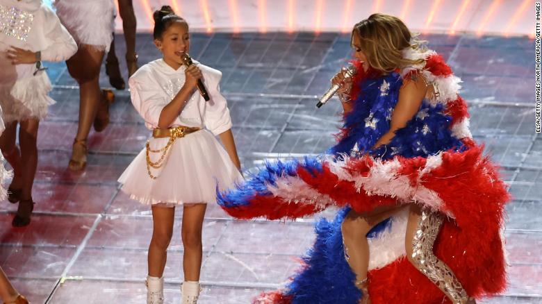 Jennifer Lopez and Shakira Put On An Amazing Performance at Super Bowl | Spurzine
