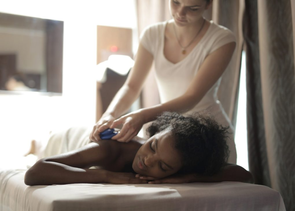 10 Reasons Why You Should Get a Good Massage Today   Spurzine