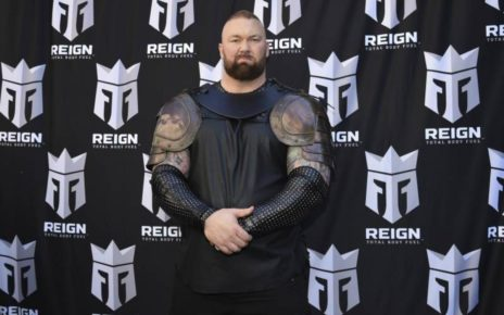 Game of Thrones Actor Hafthor Bjornsson Sets World Record In Deadlifting | Spurzine