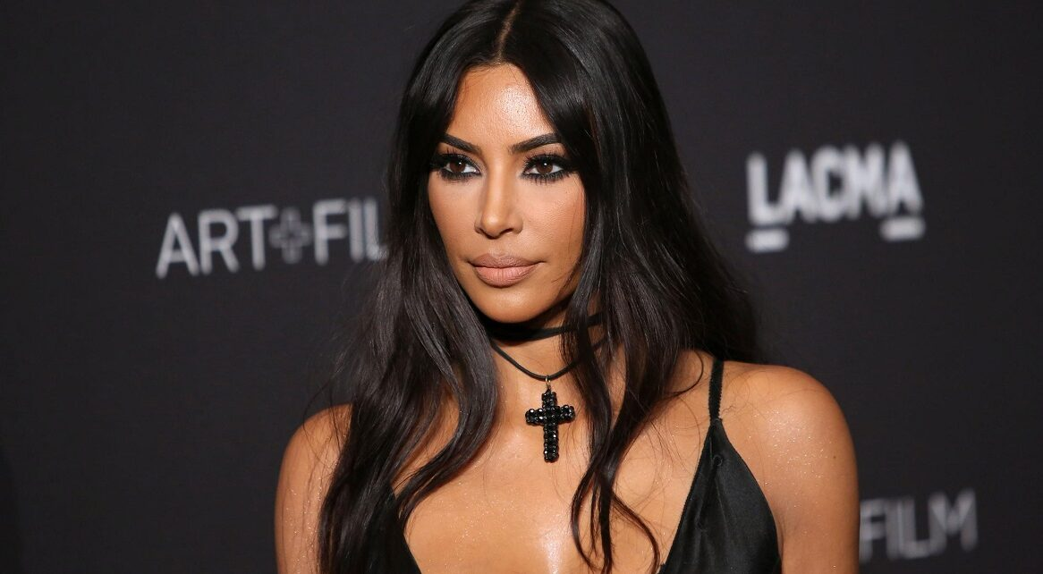 Kim Kardashian West's Beauty Line KKW Now Valued at $1 Billion | Spurzine