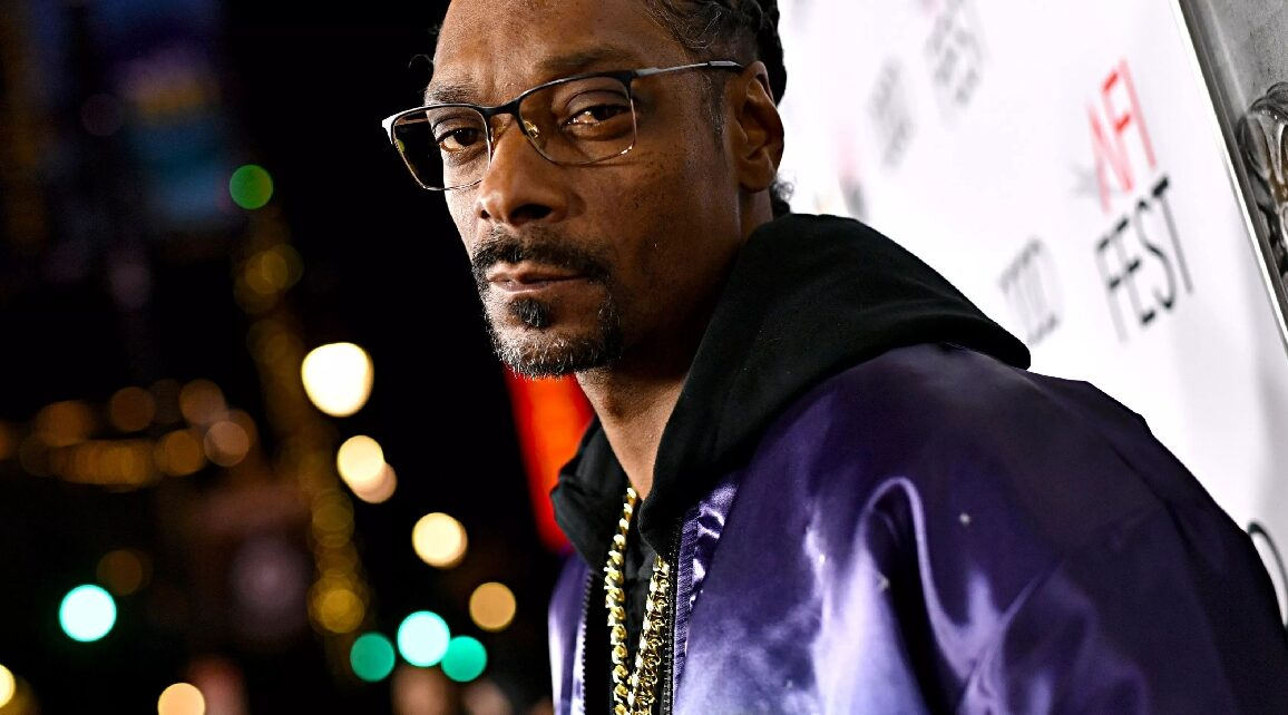 Snoop Dog Ready Is Ready to Vote for the First Ever and Here's Why | Spurzine