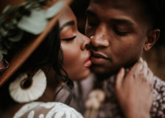 3 Warning Signs You Are in a Wrong Relationship | Spurzine