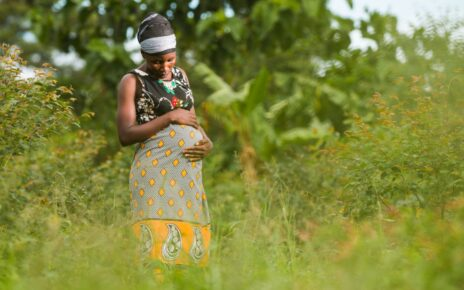 Ugandan Police Officer Saves Mother by Helping Her Deliver Baby | Spurzine